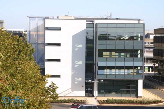 布鲁内尔大学校园环境_Brunel University London校园环境照片-中英网UKER.net