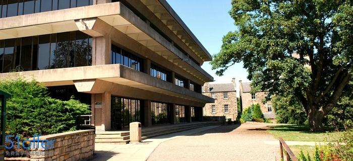 圣安德鲁斯大学校园环境_University of St Andrews校园环境照片-中英网UKER.net
