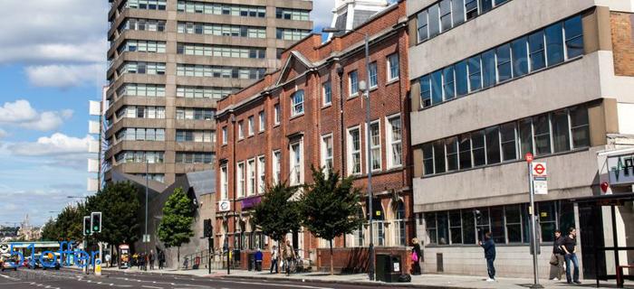 伦敦都市大学校园环境_London Metropolitan University校园环境照片-中英网UKER.net